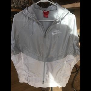 Nike Womens Jacket NEW w/Out Tags
